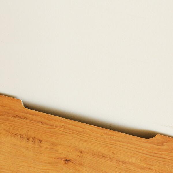 ローボードテレビ台 ネイツ 背面は吹き抜けとなっているのでコードもスッキリと配線可能