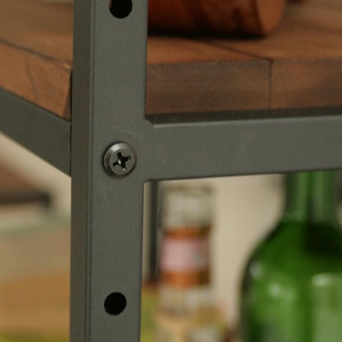 アトム シェルフ 4段 ブラックのマット塗装(つや消し加工)は、重厚感があります