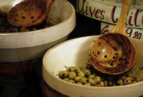極上のオリーブオイルはお料理の隠し味。