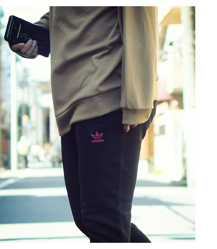 adidasアディダスのパンツ Trefoil Pant02