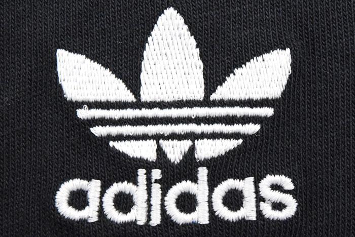 adidasアディダスのTシャツ Essential13