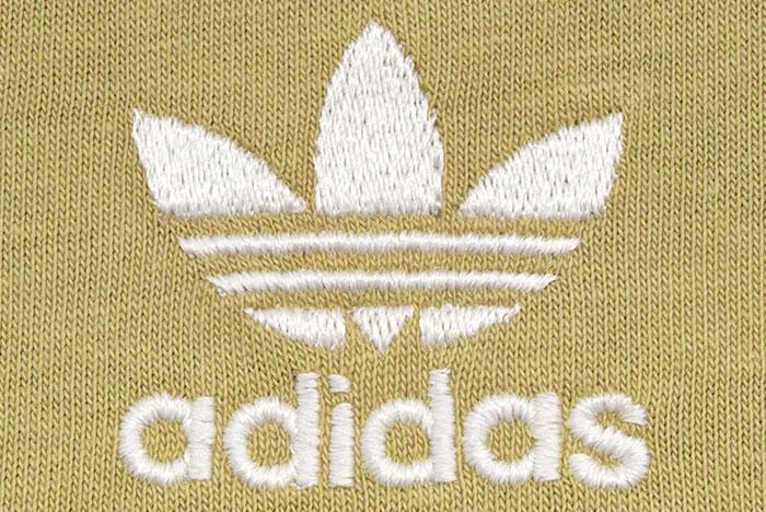 adidasアディダスのTシャツ Essential14
