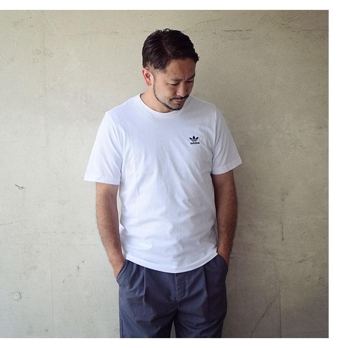 adidasアディダスのTシャツ Essential06