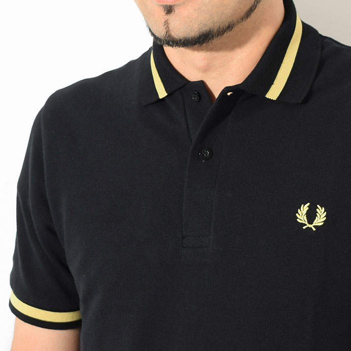 FRED PERRYフレッドペリーのポロシャツ M2 Single Tipped Fred Perry Polo Shirt03
