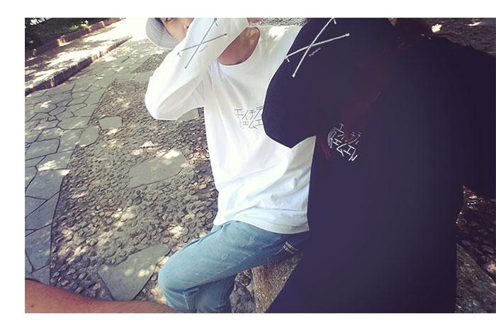 HTML ZERO3エイチティエムエル ゼロスリーのTシャツ Selfie Roll02