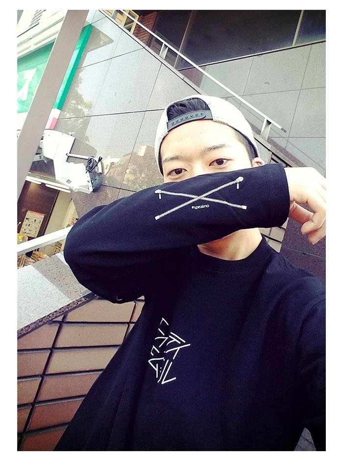 HTML ZERO3エイチティエムエル ゼロスリーのTシャツ Selfie Roll04