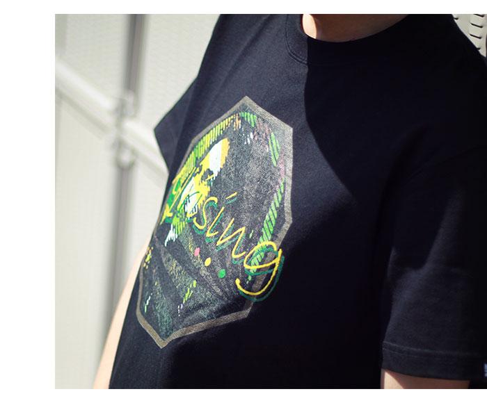HTML ZERO3エイチティエムエル ゼロスリーのTシャツ Uprising01