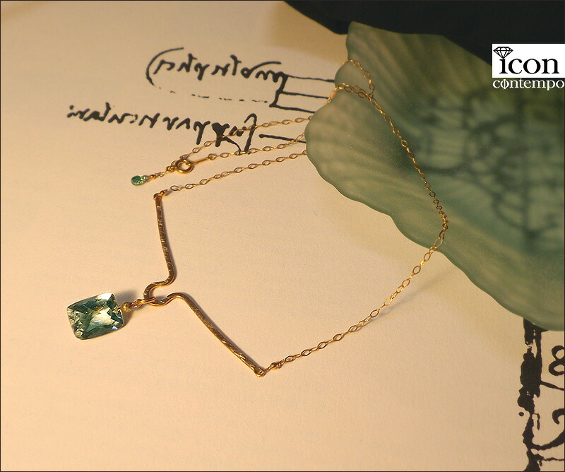 necklace01gsyg_111318r_1