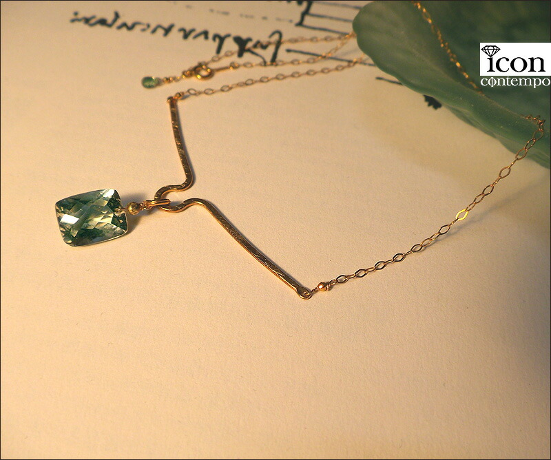 necklace01gsyg_111318r_2