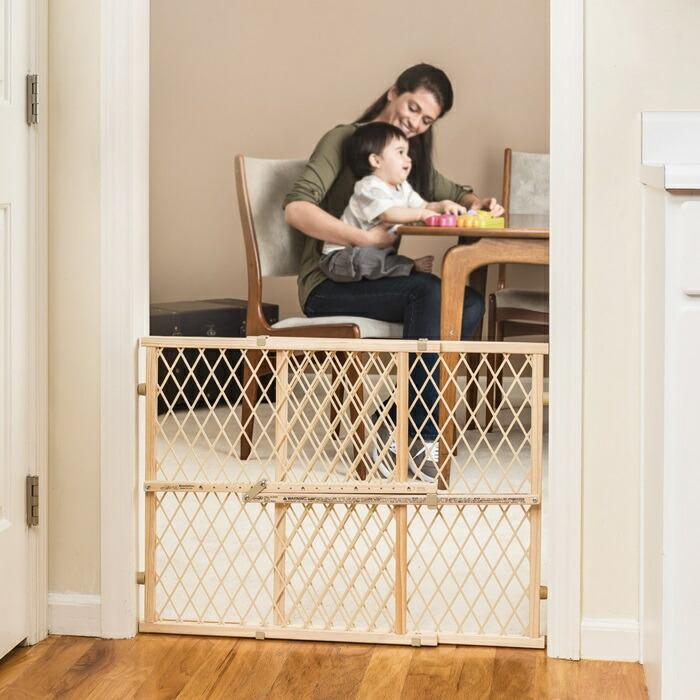 赤ちゃんやペットのための 安全ゲート ベビーゲート
