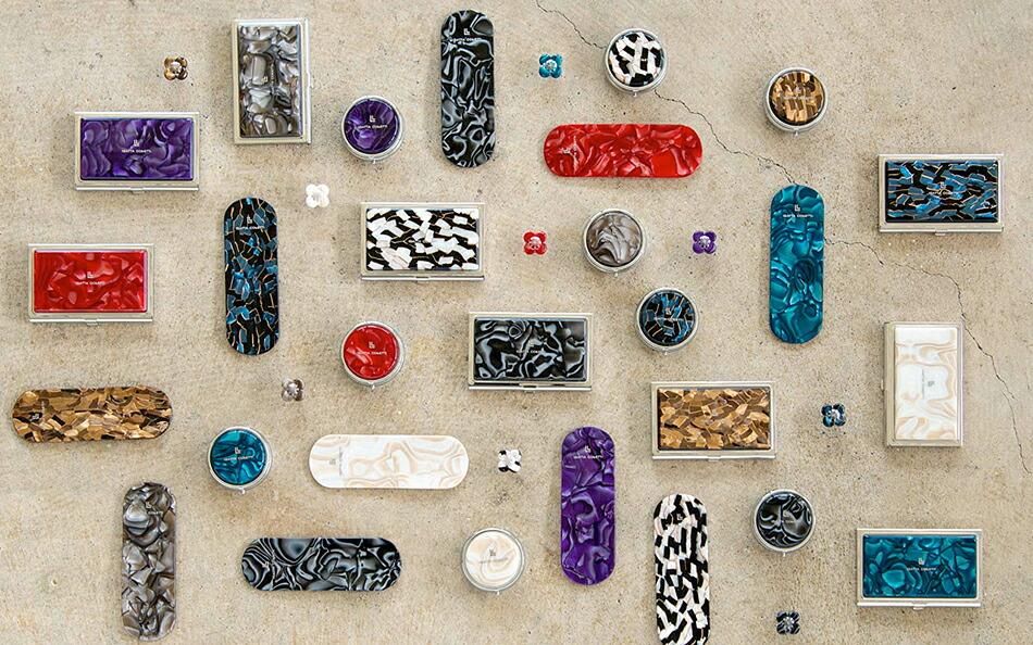 IGATTA COLLETTIは地場産業である 眼鏡と漆の『素材×技術』から生まれた ライフスタイルブランドです。