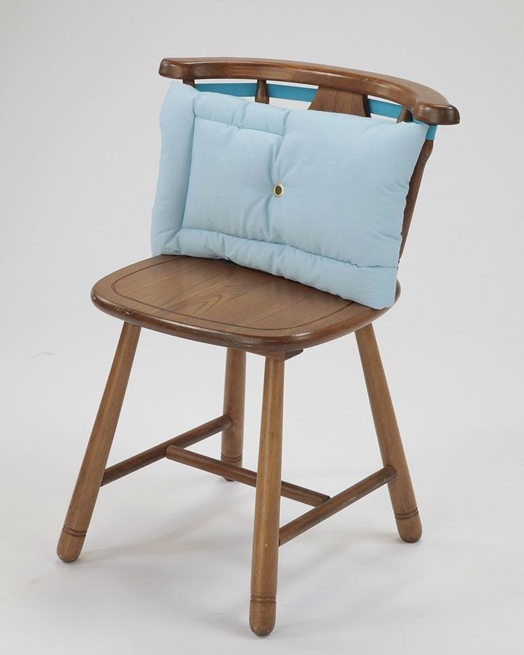 ゴム付きで椅子に付けられるクッション