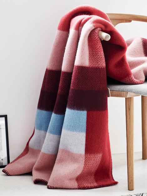 roros tweed mikkel red 130 200cm. Black Bedroom Furniture Sets. Home Design Ideas