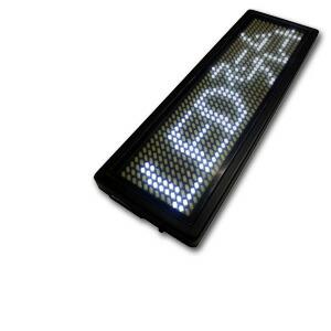 小型で軽量のメッセージボード 表示器LED名札 (全角4文字) 超小型軽量 LEDネームプレート赤色LED
