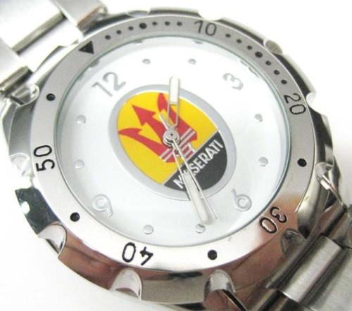 車のマセラティの腕時計