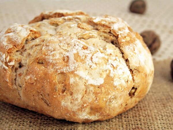 雑穀パン(くるみ)