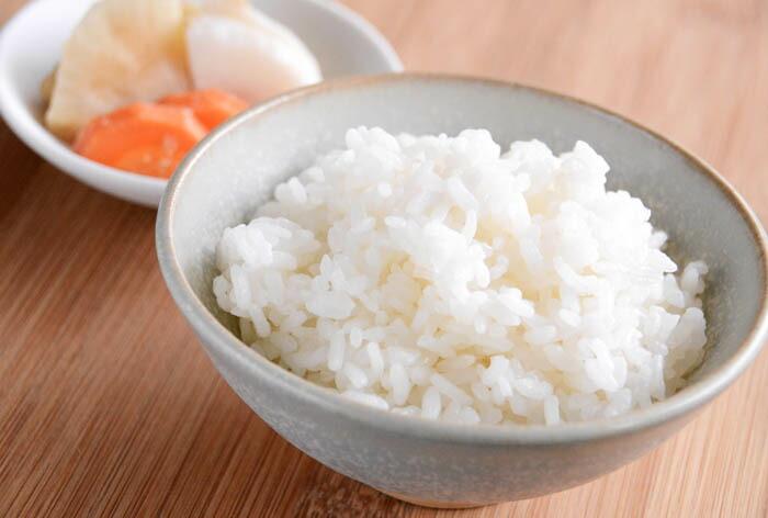 日本の朝ごはん!炊きたてご飯と漬物