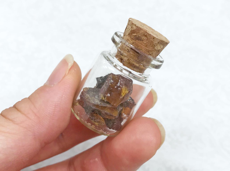 親指サイズ!琥珀のミニインテリア雑貨