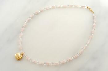 18-karat gold diamond Kitty rose quartz necklace