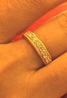 24K 8石のダイヤモンドが並ぶ純金リング
