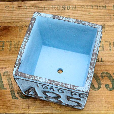 プランター(鉢) アメリカンアンティーク ナンバープレート ブルー サイズSの底面