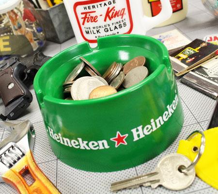 ハイネケン(HEINEKEN)ノベルティ灰皿の使用例2