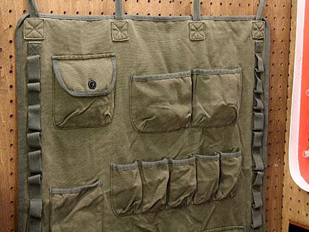ミリタリーウォールポケットカーキ[おしゃれ/布/壁掛け/収納]の上部
