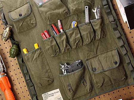 ミリタリーウォールポケットカーキ[おしゃれ/布/壁掛け/収納]の使用例2
