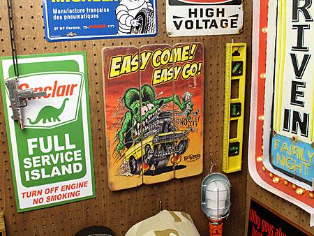 ラットフィンクポスターサインボードアンティーク調木製RatFinkEASY COMEの使用例