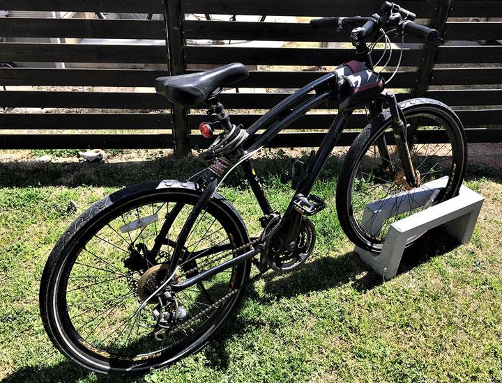 自転車スタンド おしゃれ 屋外 大人気のため予約販売コンクリート製自転車スタンド Coco 片面1台用 転倒防止郵便ポストのジューシーガーデン