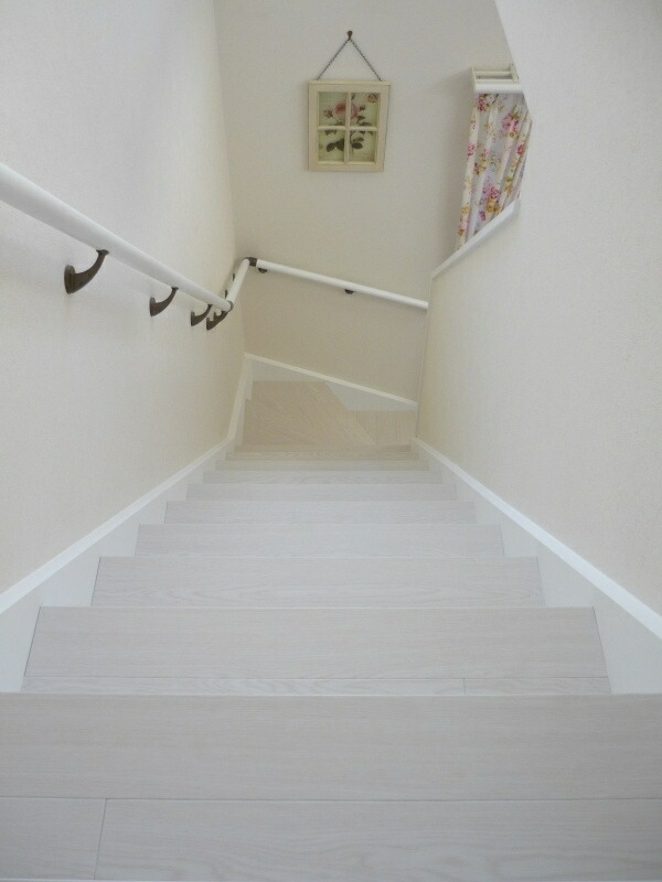2011-1124-stair04.jpg