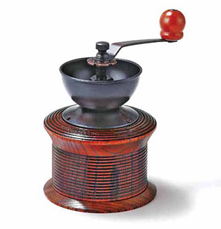 木製のコーヒーミル