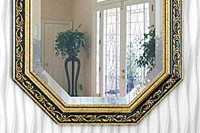 壁掛け鏡・ウォールミラー:八角形の鏡