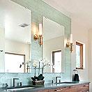 鏡の特注・サイズカット:鏡や防湿鏡をご希望サイズにカットして、ご家庭や施工現場にお届けします