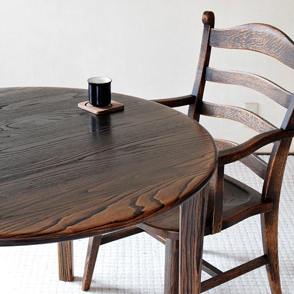 無垢材クリで作った円形ダイニングテーブル