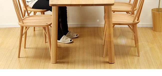 ダイニング_メープル材の質感が爽やかな木製ダイニングテーブル_05