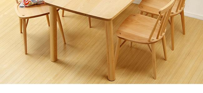 ダイニング_メープル材の質感が爽やかな木製ダイニング5点セット_板座_02