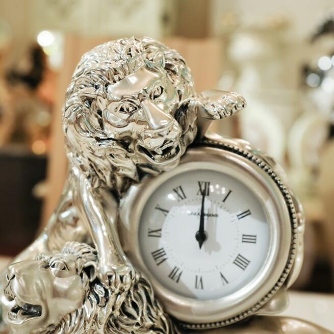 イタリア製の置時計