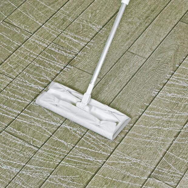 床の水拭きに