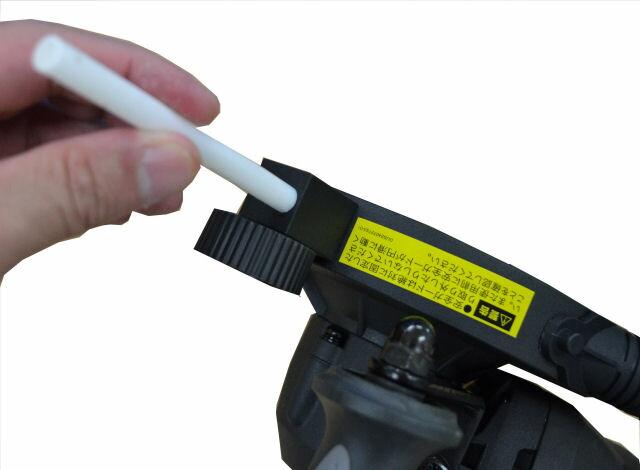 金属を切断の際は、潤滑スティック