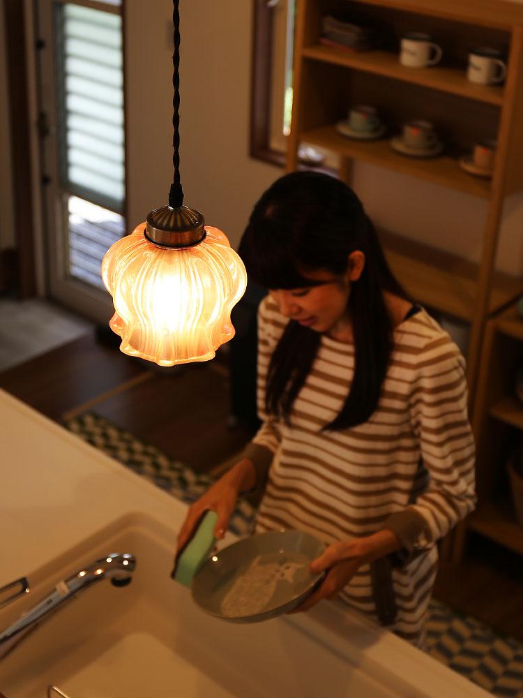 ガラス 1灯 ペンダント クローネ krone キッチンでの使用