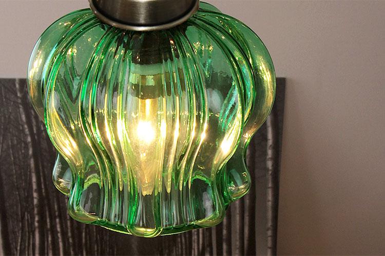 ガラス 1灯 ペンダント クローネ krone グリーンカラーのアップ
