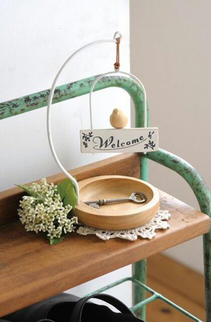 飾り棚など玄関ニッチを有効活用したい!おすすめのインテリア雑貨を教えて。