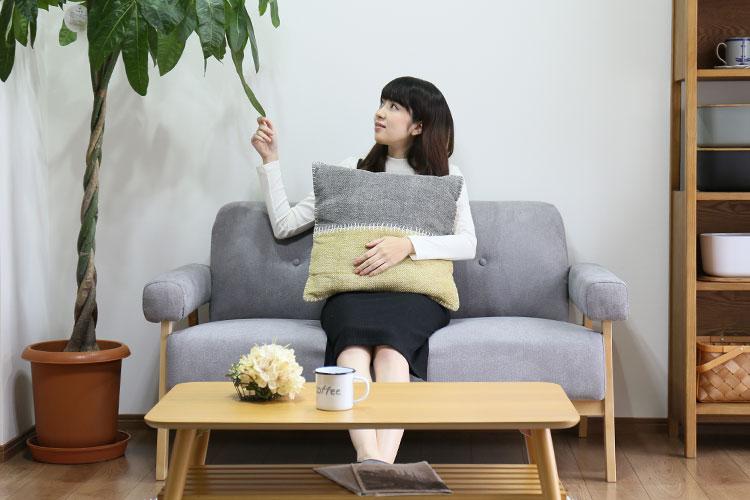北欧風ソファ 二人掛け ココン cocon 存在感はありますが、実はコンパクトサイズ