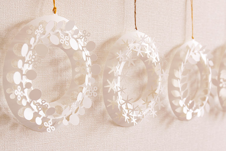 paper wreath Design by Chiori Ito ペーパーリース S