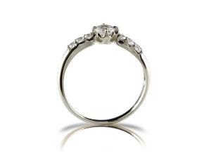 指輪ダイヤモンドリング