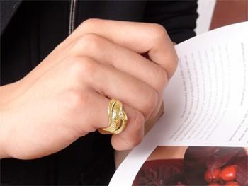 【送料無料】ピンクサファイア 蛇指輪 小指用にも【工房直販】