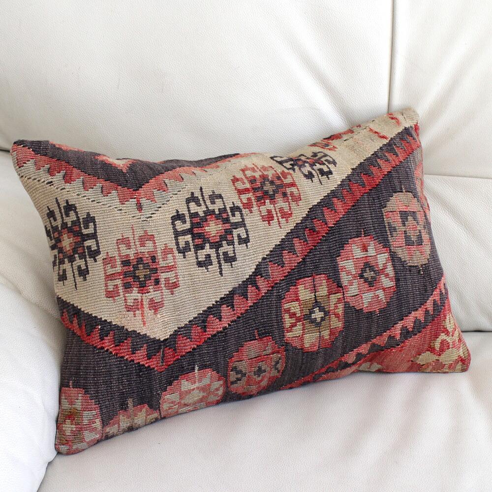 楽天市場】オールドキリムクッション【中綿付】長方形・枕型・ミニサイズ