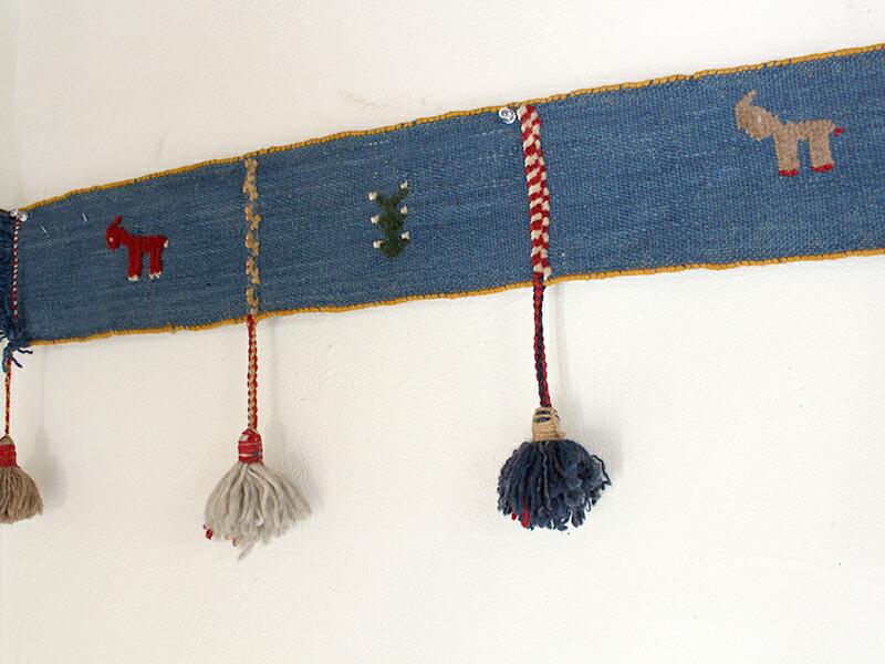 遊牧民のテント飾り・カラフルボーダーカシュカイ族のギャッベキリム・ポンポン630x34cm