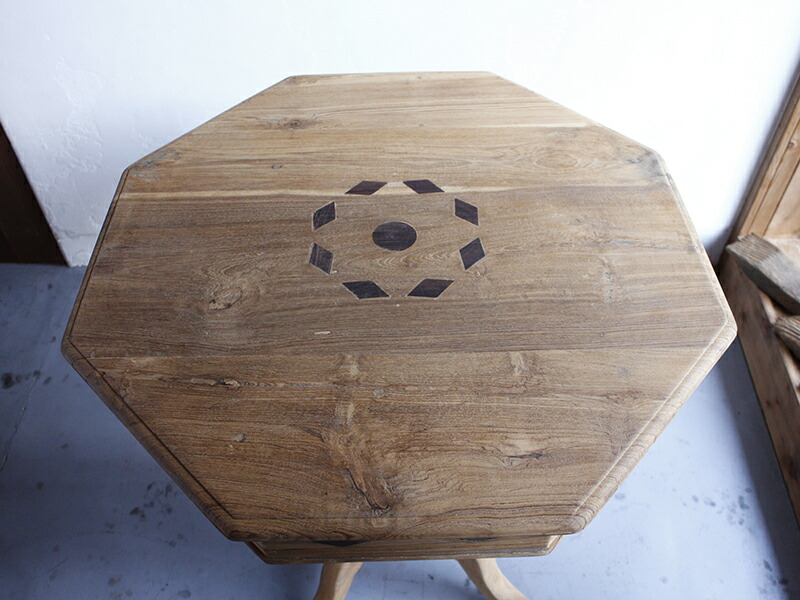 オクタゴンテーブル・チークウッドクラシカルな装飾脚・象嵌・無塗装